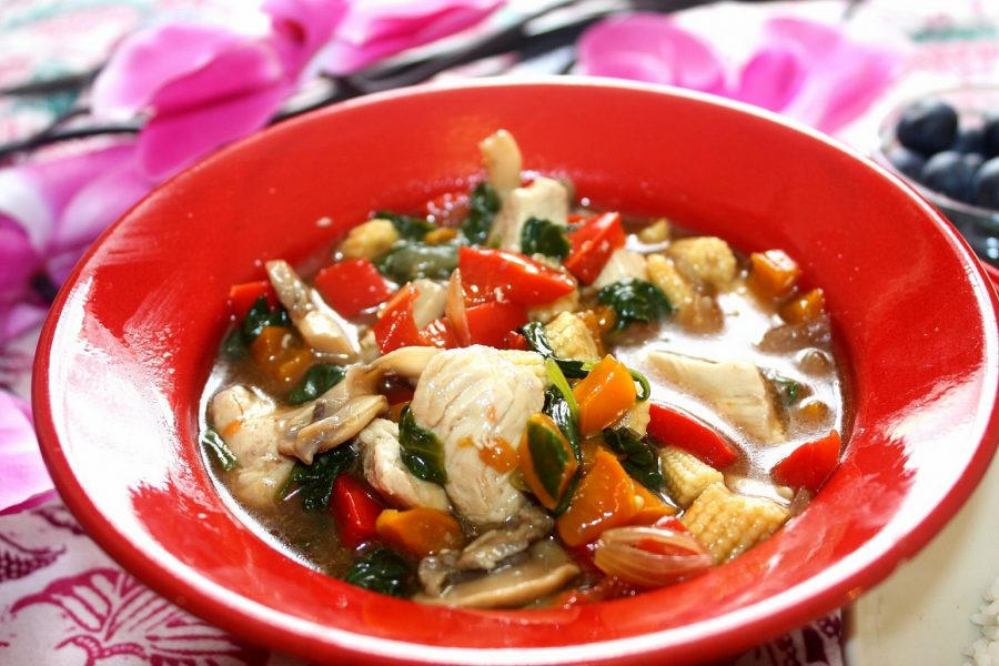 Chicken vegetable Oyster sauce recipe www.whatsupcourtney.com