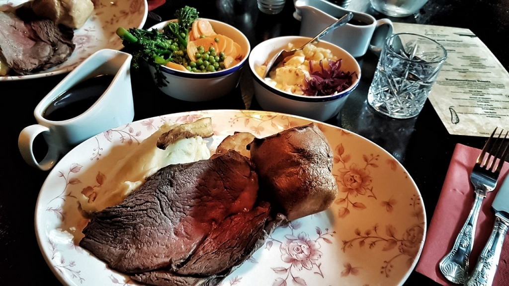 Instagrammable Sunday Roast in Colonel Porter's Emporium Newcastle -> www.whatsupcourtney.com #instagram #foodie