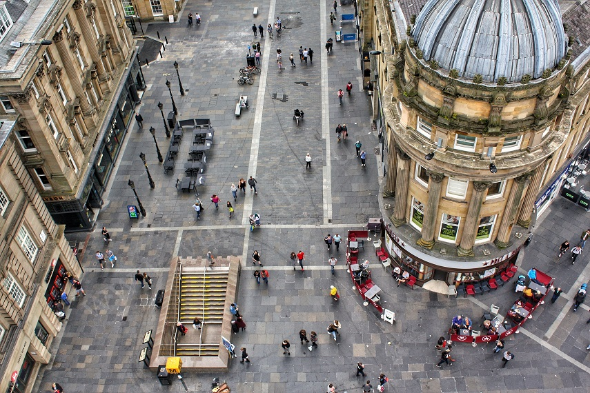 Grey's Monument Newcastle Upon Tyne ->www.whatsupcourtney.com #newcastle #travelguide #guide