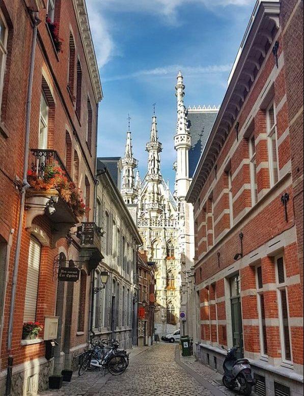 A review of the Pentahotel Leuven Belgium -> www.whatsupcourtney.com