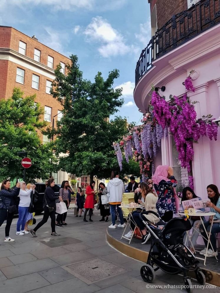 Queue outside of Peggy Porschen Cakes in Belgravia London Guide ->www.whatsupcourtney.com #London #belgravia #londonguide #travel #travelguide #peggyporschen