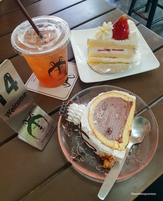 Ice cream cake and Ice lemon tea at the husky cafe Truelove at Neverland - read more at whatsupcourtney.com #huskies #husky #bangkok #thailand #travel #siberianhusky #icecreamcake #cake #icelemontea