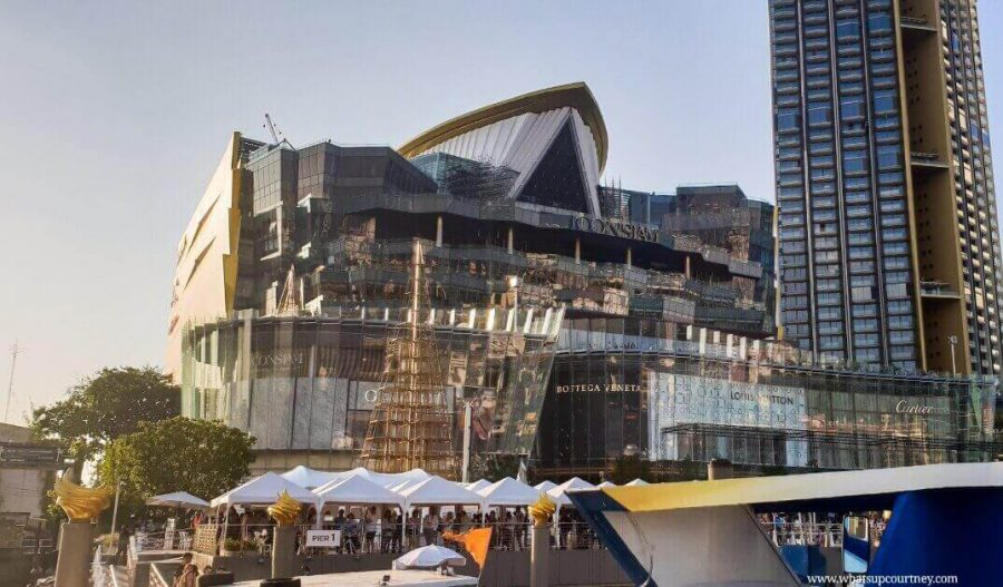 Iconsiam shopping centre in Bangkok | www.whatsupcourtney.com | #travel #bangkok #thailand