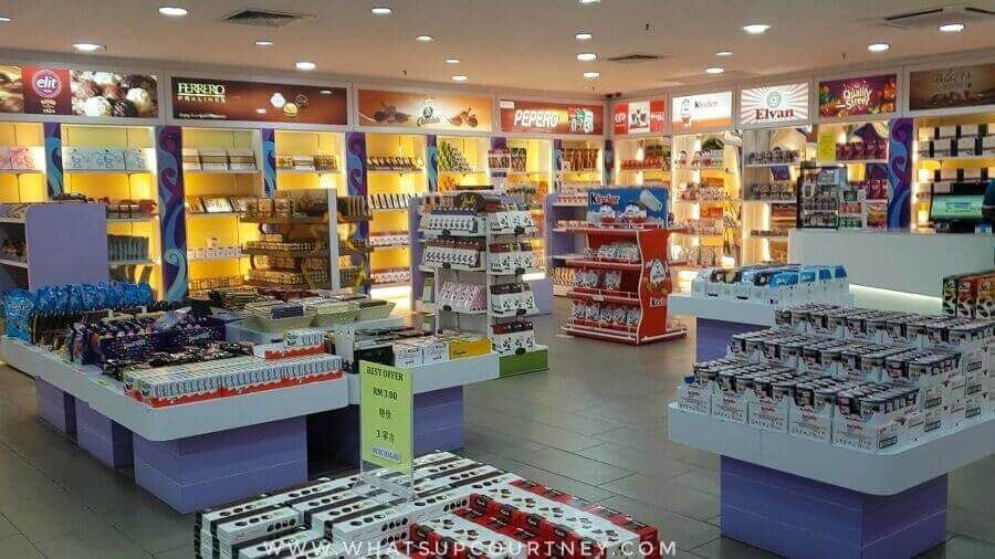 Duty free shop at shopping centre by Cenang Beach | heywhatsupcourtney