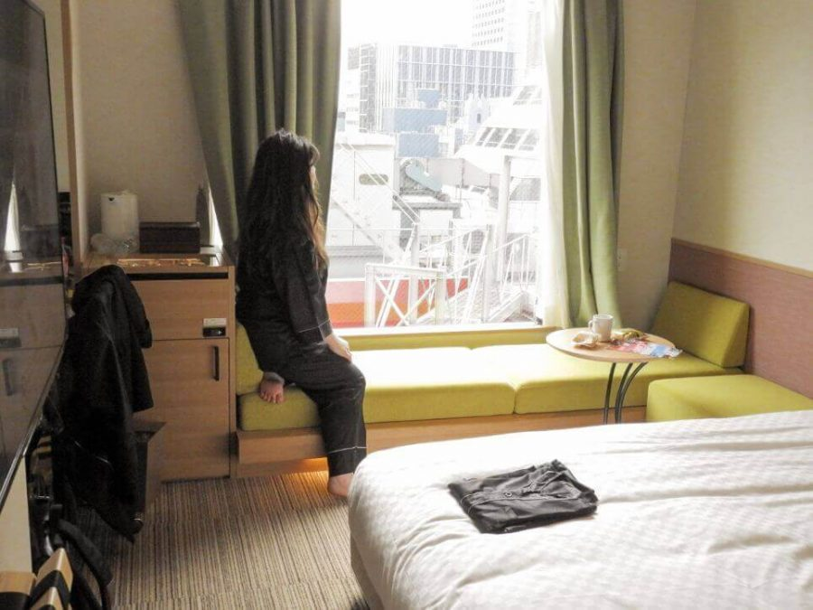 Day bed in a King Room with Tokyo city view at Candeo Hotel